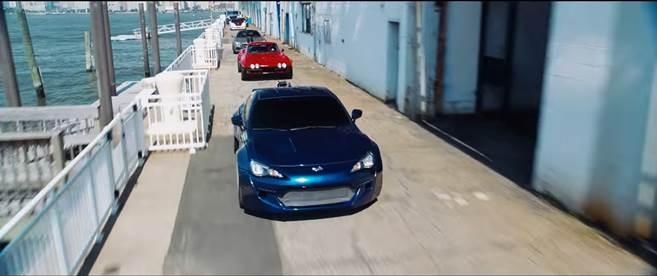 Fast & Furious 8 chính thức cho ra lò MV nhạc phim Go Off (1)