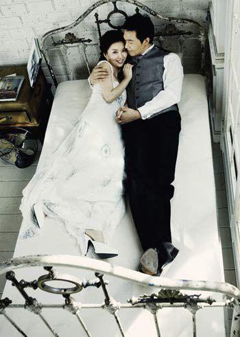 """Ngắm bộ ảnh cưới """"hiếm hoi""""của Park Sung Woong và Shin Eun Jung (4)"""