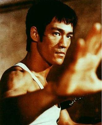 """Những nam tài tử cơ bắp lọt top """"Ngôi sao võ thuật mạnh nhất thế giới"""" (11)"""