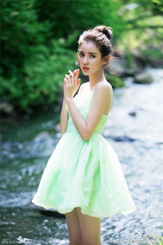 Ngắm vẻ đẹp hút hồn của những mỹ nhân 9X Hoa ngữ (10)