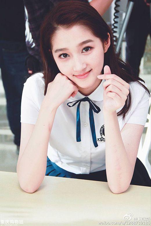 Ngắm vẻ đẹp hút hồn của những mỹ nhân 9X Hoa ngữ (24)