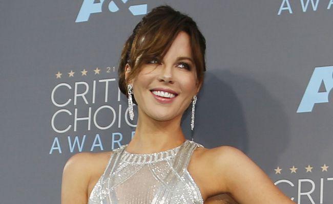 """Ngoài 40 tuổi, đả nữ """"Kate Beckinsale"""" vẫn vô cùng quyến rũ (9)"""