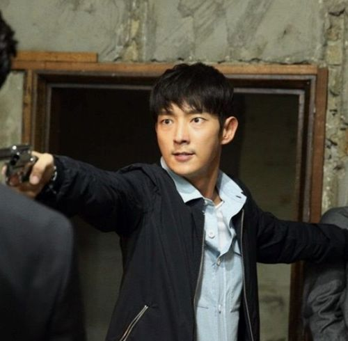 Lee Jun Ki cool ngầu trong phim hình sự Criminal Minds (3)