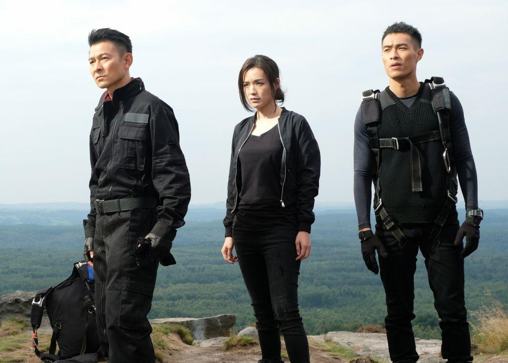Thư Kỳ & Lưu Đức Hoa tái xuất trong phim hành động The Adventurers (2)
