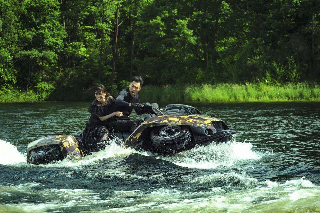 Thư Kỳ & Lưu Đức Hoa tái xuất trong phim hành động The Adventurers (5)