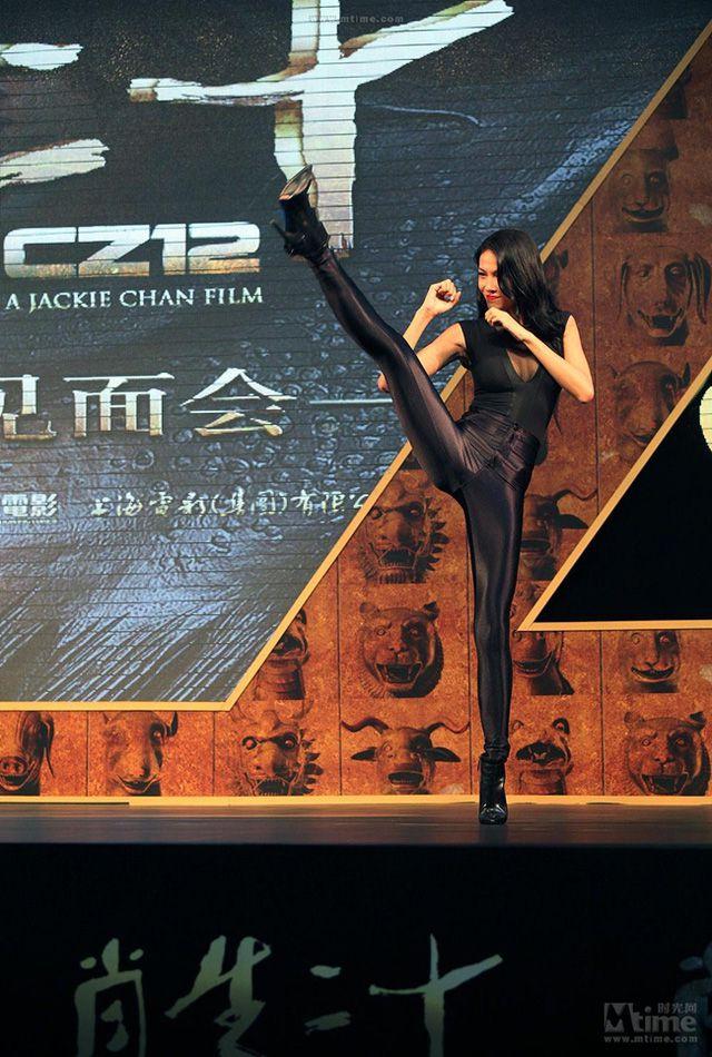 Ngắm thân hình gợi cảm của 2 đả nữ Trung Quốc thế hệ mới (26)