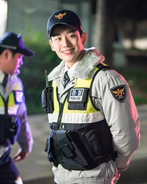 """Những điều chưa biết về """"mỹ nam nụ cười"""" Jung Hae In (8)"""