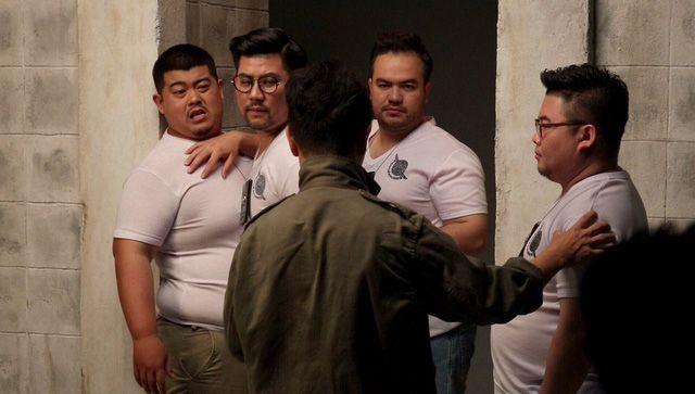 """Phim hành động hài Thái Lan """"Oversized Cops"""" tung trailer hấp dẫn (6)"""