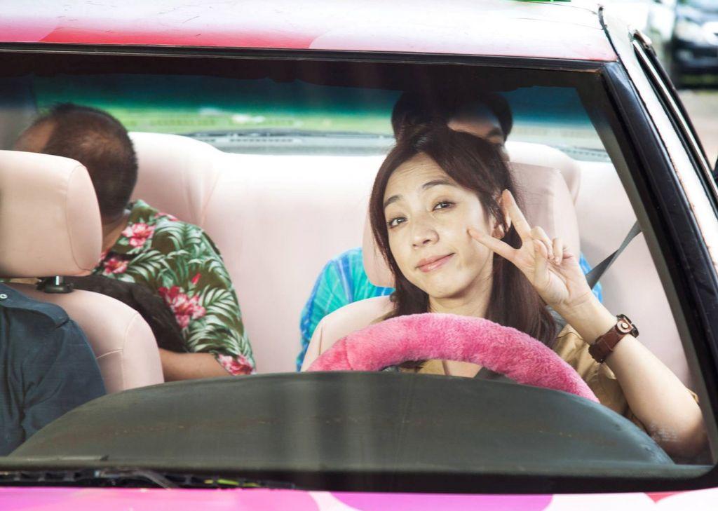798Mười tung teaser poster hài hước hé lộ dàn nhân vật chính (3)