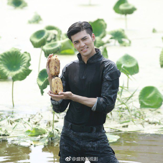 Profile Từ Phong Jason: Siêu mẫu nam đá chéo sân khiến fan bấn loạn (1)