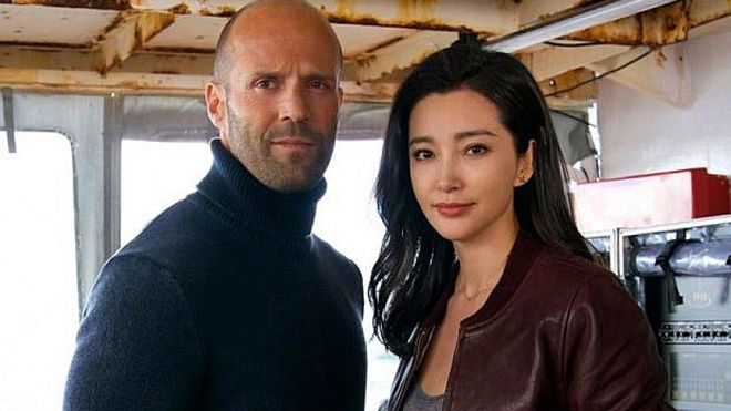 """Jason Statham & Lý Băng Băng đóng phim hành động kinh dị về cá mập """"The Meg"""" (3)"""