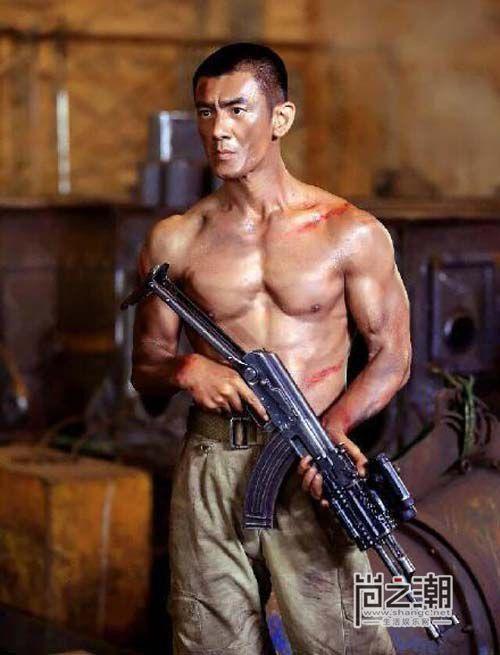 Nhậm Thiên Dã: Ngôi sao phim hành động quân sự thành danh muộn màng (1)