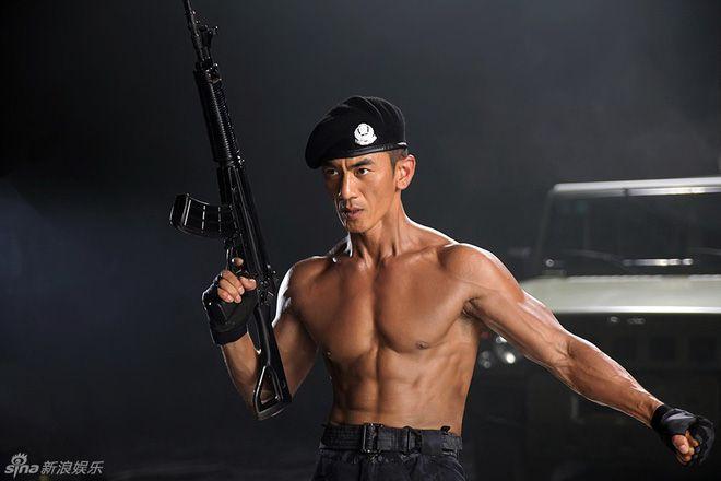 Nhậm Thiên Dã: Ngôi sao phim hành động quân sự thành danh muộn màng (6)