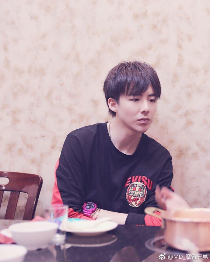 Đôi chút về chàng trai siêu cute Lưu Vũ Ninh mà ai cũng muốn biết (4)