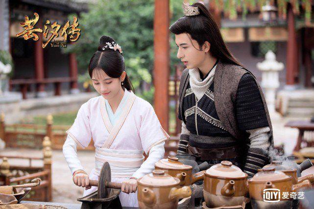 Cúc Tịnh Y, Trương Triết Hạn & Mễ Nhiệt: Bộ ba nhan sắc kinh diễm (12)