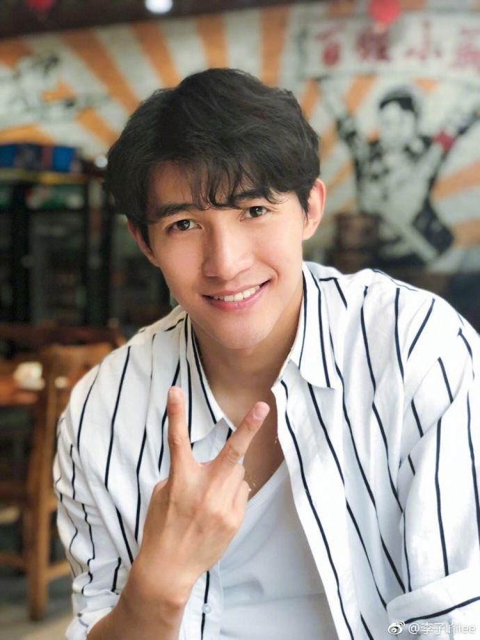 Lý Tử Phong profile, thông tin tiểu sử nam diễn viên Li Zifeng (3)