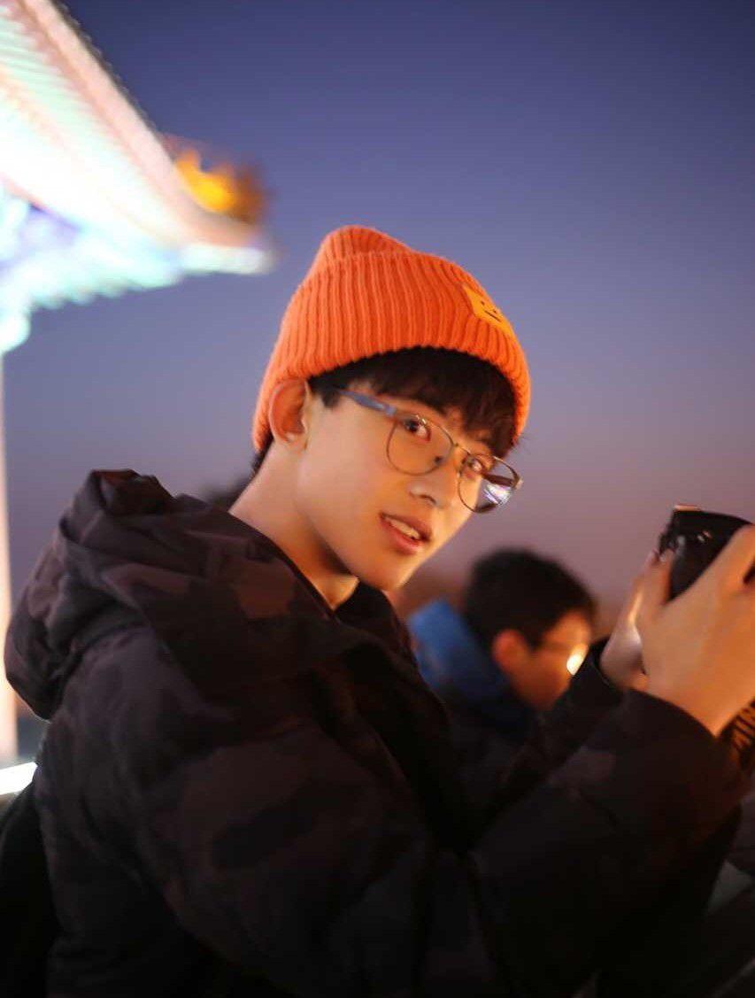 Thường Ưu Tú: Hot boy Tik Tok Trung Quốc gây sốt bởi nụ cười tỏa nắng (6)