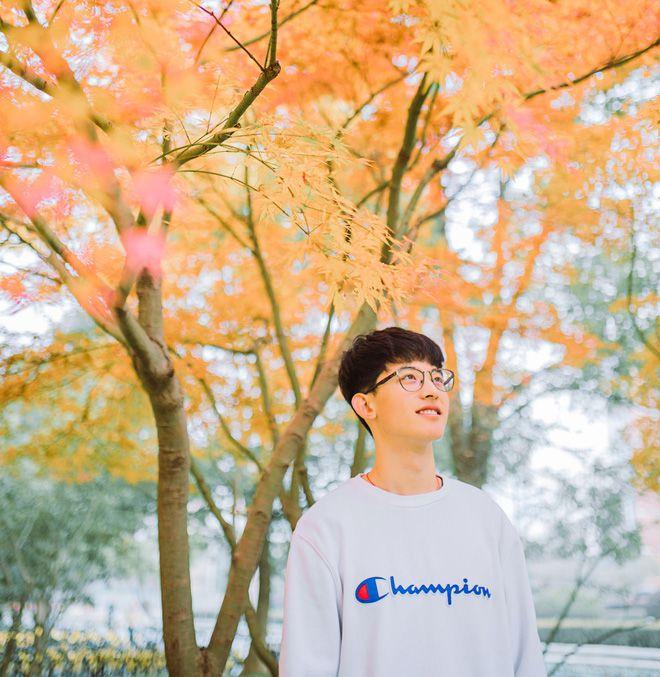 Thường Ưu Tú: Hot boy Tik Tok Trung Quốc gây sốt bởi nụ cười tỏa nắng (8)