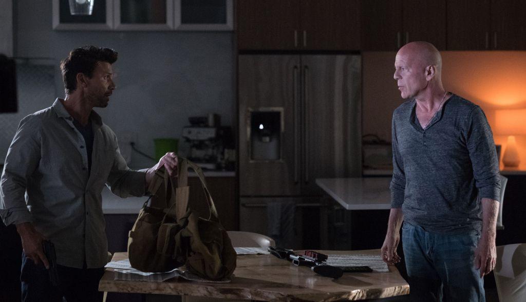 Sói cô độc – Reprisal: Phim hành động hiếm hoi giữa rừng phim kinh dị tháng 10