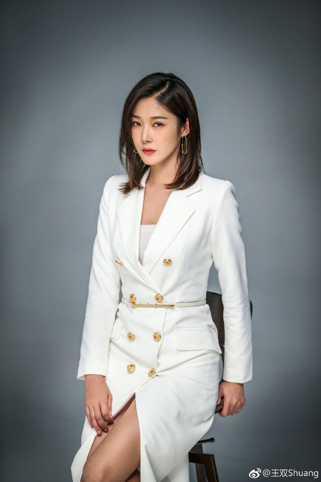 """Từ Khai Sính & dàn diễn viên siêu hot của hit """"Tại sao boss muốn cưới tôi"""" (9)"""