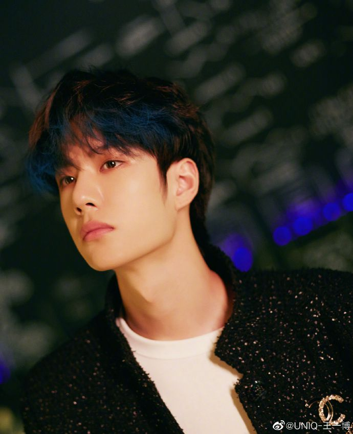 Vương Nhất Bác Profile: Thông tin tiểu sử chàng út của nhóm nhạc UNIQ (18)
