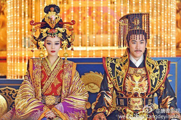 """Profile Lý Trị Đình: Thông tin tiểu sử """"á thần"""", chàng hoàng tử lai của Cbiz (11)"""