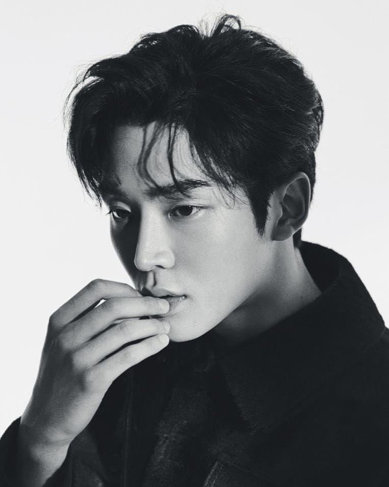 Profile Rowoon: Nam thần đẹp trai không tên bí ẩn của Extraordinary You (11)
