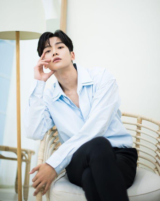 Profile Rowoon: Nam thần đẹp trai không tên bí ẩn của Extraordinary You (13)