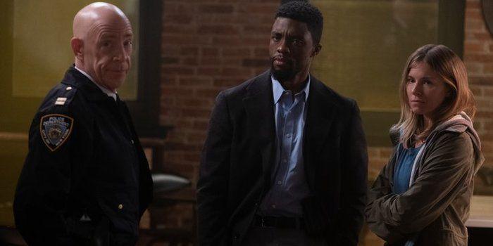 """Phim hành động trinh thám 21 Bridges nhạt nhòa dù có """"Black Panther"""" (3)"""