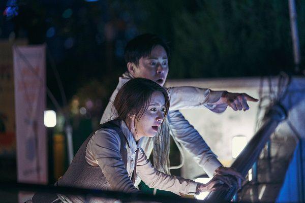 Phim hành động hài hước E.X.I.T của Yoona SNSD tung loạt ảnh nhá hàng